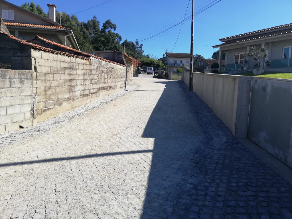 Pavimentação da Rua do Padronelo, em Vila Cova
