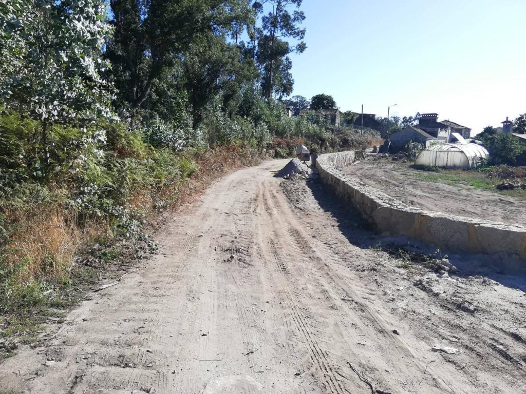 Alargamento na Rua do Caniço (Lugar da Portela) - Vila Cova
