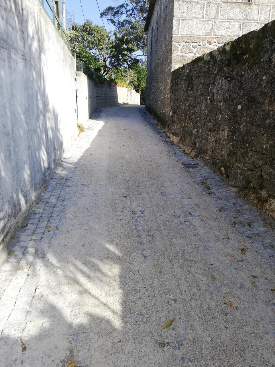 Pavimentação da Rua da Redonda, em Vila Cova